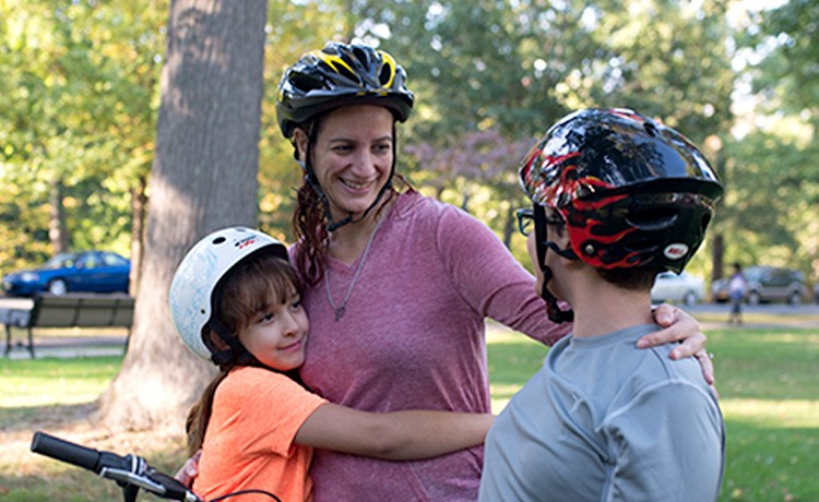 Kathleen rides bikes with kids after bariatric surgery